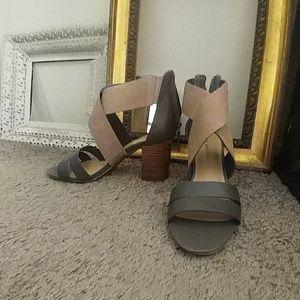 New Aubrey Brooke Sophie 8 1/2 Stone/Nude Heels